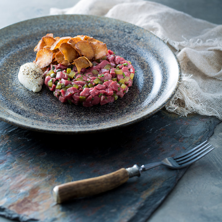 Beef tartare with pepper cream and jerusulem artichokes — The Social