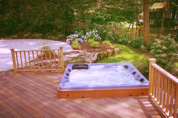 aménagement cour spa laval 2.jpg