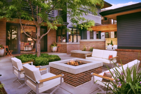 aménagement paysager laval patio terrasse pavé foyer.jpg