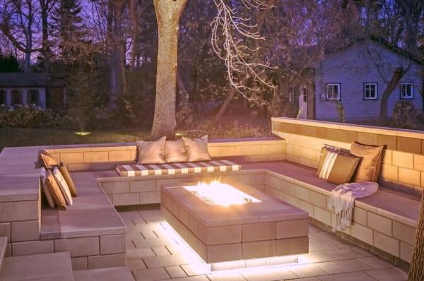 aménagement paysager laval espace feu intime bloc pavé.jpeg