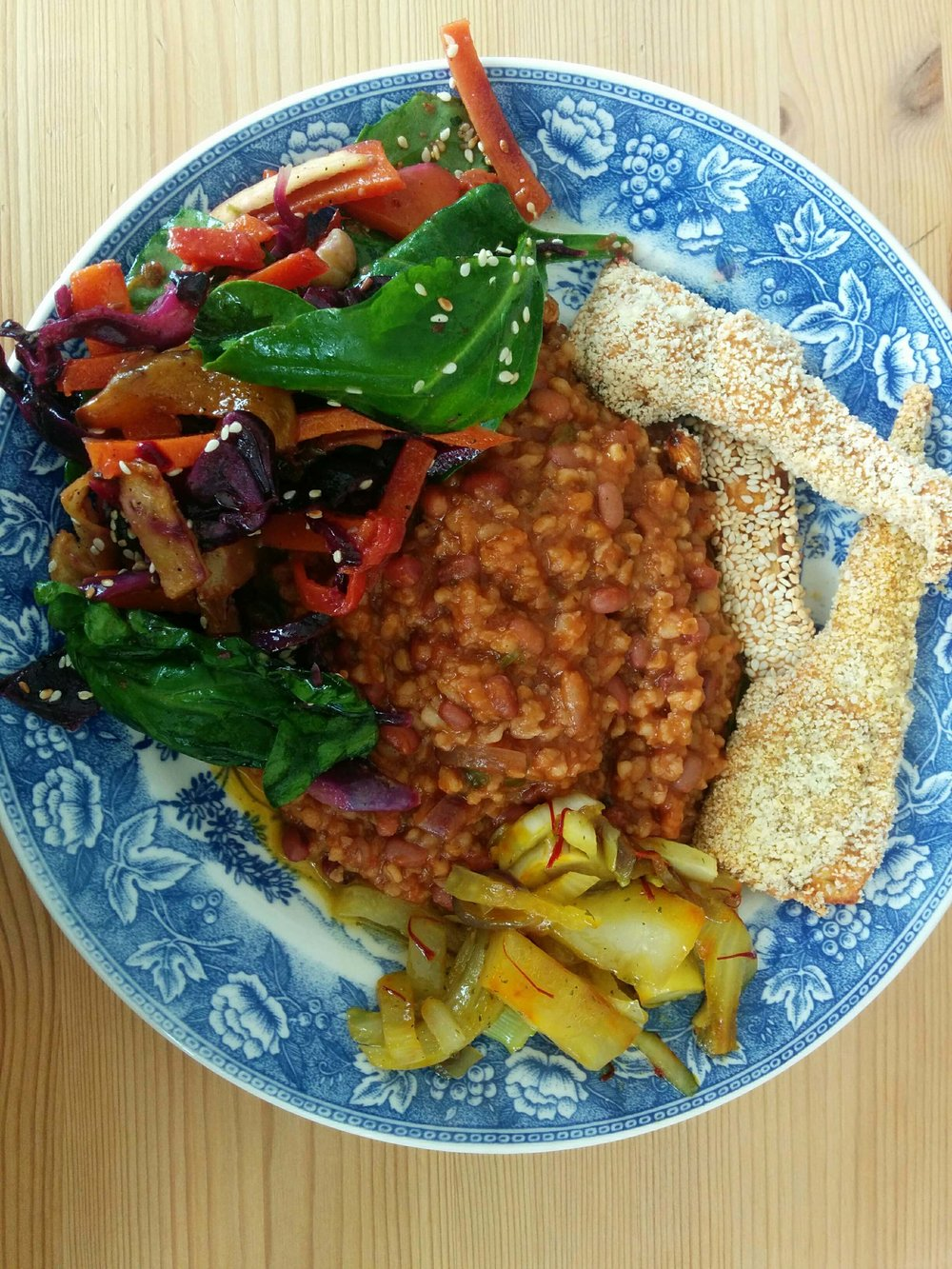 Here, breaded parsnip the Nøsen way, served with a vegan adzuki beans Chili, a roasted vegetable salad and saffron stir-fried fennel.