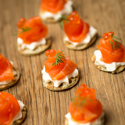 <h3>SMOKED TROUT BLINIS<h3>