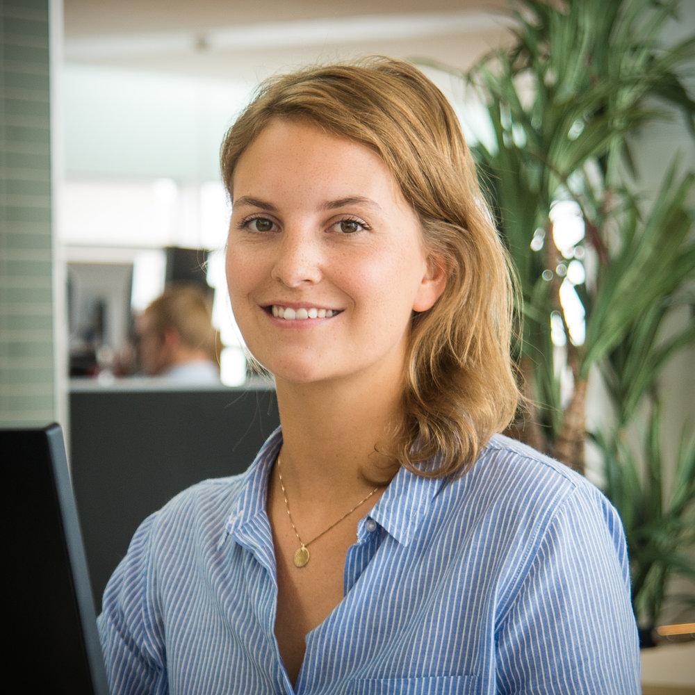 Ditte analyserer og effektiviserer processer Ditte omsætter passionen for effektivisering af processer og brugerinddragelse til synlige resultater for cBrains kunder. Efter et år som kandidt er hun allerede klar til at tage lederskab over projekter.