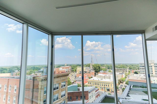 What's better than an open concept? An open concept with a VIEW. It's never too late to view your future home.  Call to schedule your tour today and learn more about our unique floor plans! 📱984.439.0797  https://www.apartmentsatonecitycenter.com/availability/ . . . . . #onecitycenter #downtowndurham #durhamnc #durm #bullcity #bullcitylove #RTP #RDU #RaleighDurham #DurhamRealEstate #LuxuryLiving #NowLeasing #1Bedroom #2Bedroom #downtownapartments #hardhattour #openconcept #apartmentgoals #downtownliving #durhamlife #durhamliving #durhamcommunity #amplespace #floortoceilingwindows #downtownview #durhamviews #chefkitchen