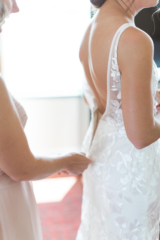 Baltimore Bride getting ready