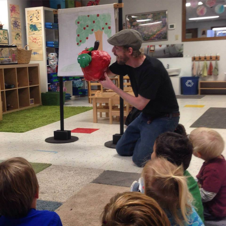 Mudcat Puppet Theater at Brentwood Social House