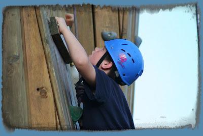 rock-climbing-kid