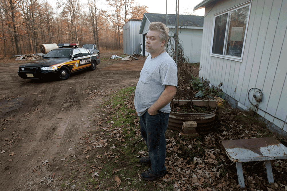 Steven Avery on his parents' cabin property in November 2015, days before his arrest charged with murder for the murder of Teresa Halbach (picture © Milwaukee Journal Sentinel, Wisconsin).