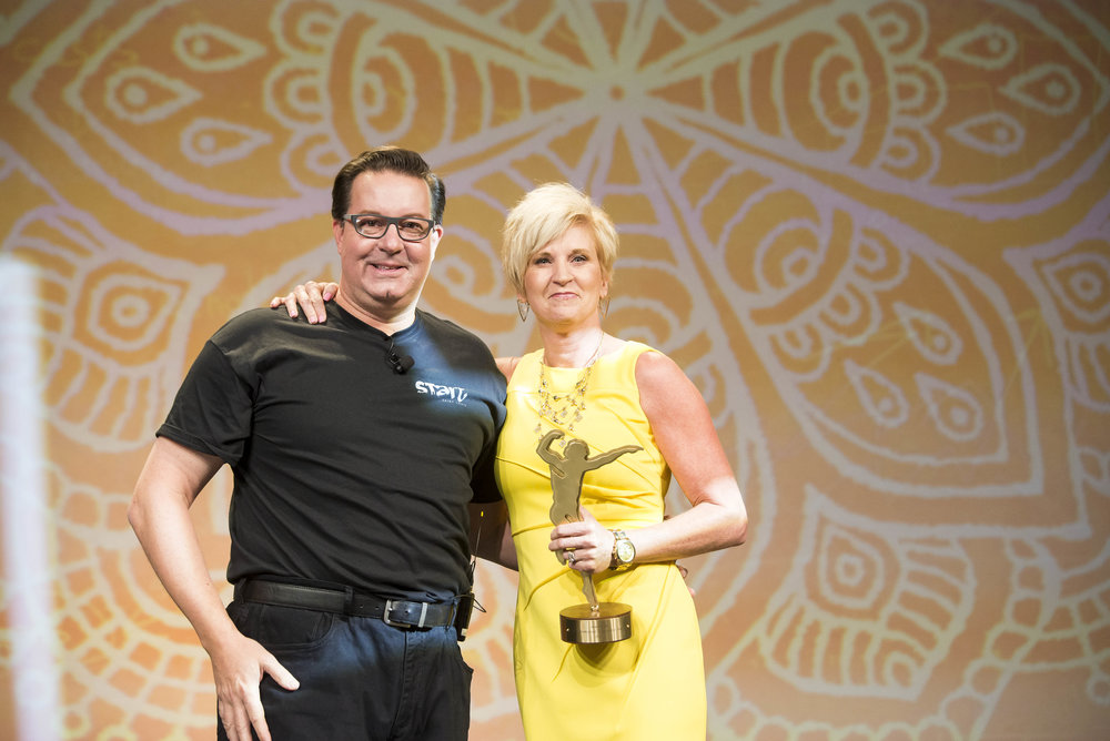 ISPA Immediate Past Chair Michael Tompkins presented Jean Kolb with the ISPA Dedicated Contributor Award.