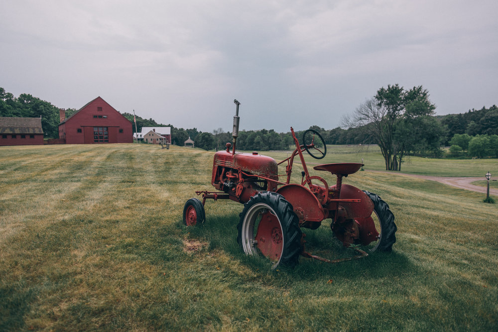 Tractor+and+yoga+barn.jpg