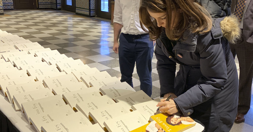 Tina Fey signs copies of her memoir,  Bossypants , on January 19, 2019. Photo: Thomas Breeden for The Richmond Forum.