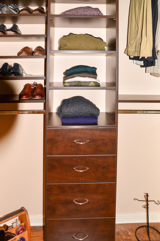 9D-closet1.jpg