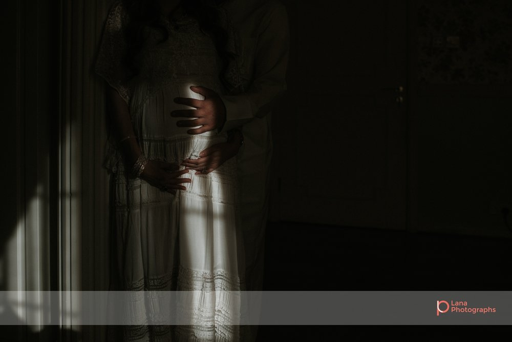 Lana Photographs Family Photographer Dubai Top Family Photographers couple expecting their baby