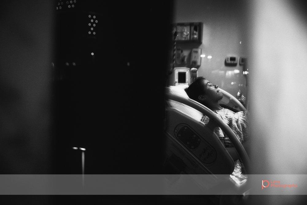 Lana-Photographs-Dubai-Birth-Photographer-Tsheilyna-Social-05.jpg