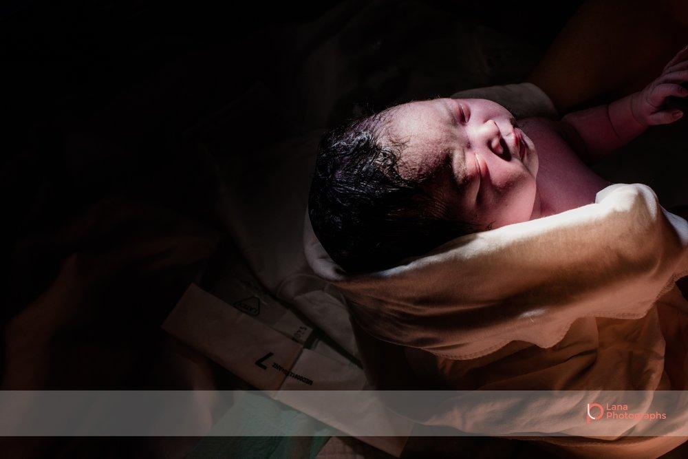 Lana-Photographs-Dubai-Birth-Photographer-Tsheilyna-Social-14.jpg