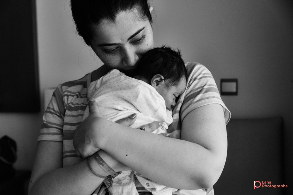 Lana-Photographs-Dubai-Maternity-and-Newborn-Photographer-Bhavna-13.jpg