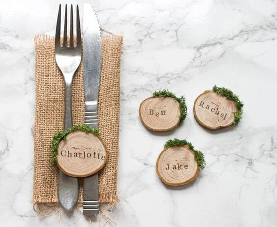 Unique-Table-Place-Cards-5-moss-plaques.jpg