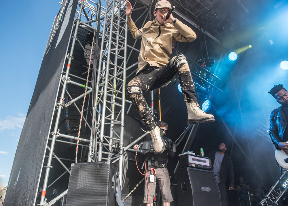 MachineGunKelly-7.jpg