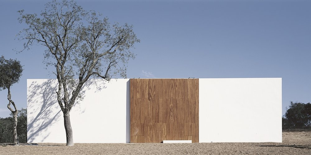 House in Litoral Alentejano by Aires Mateus. Photos copyrighted by Daniel Malhao. Courtesy of ArchDaily.