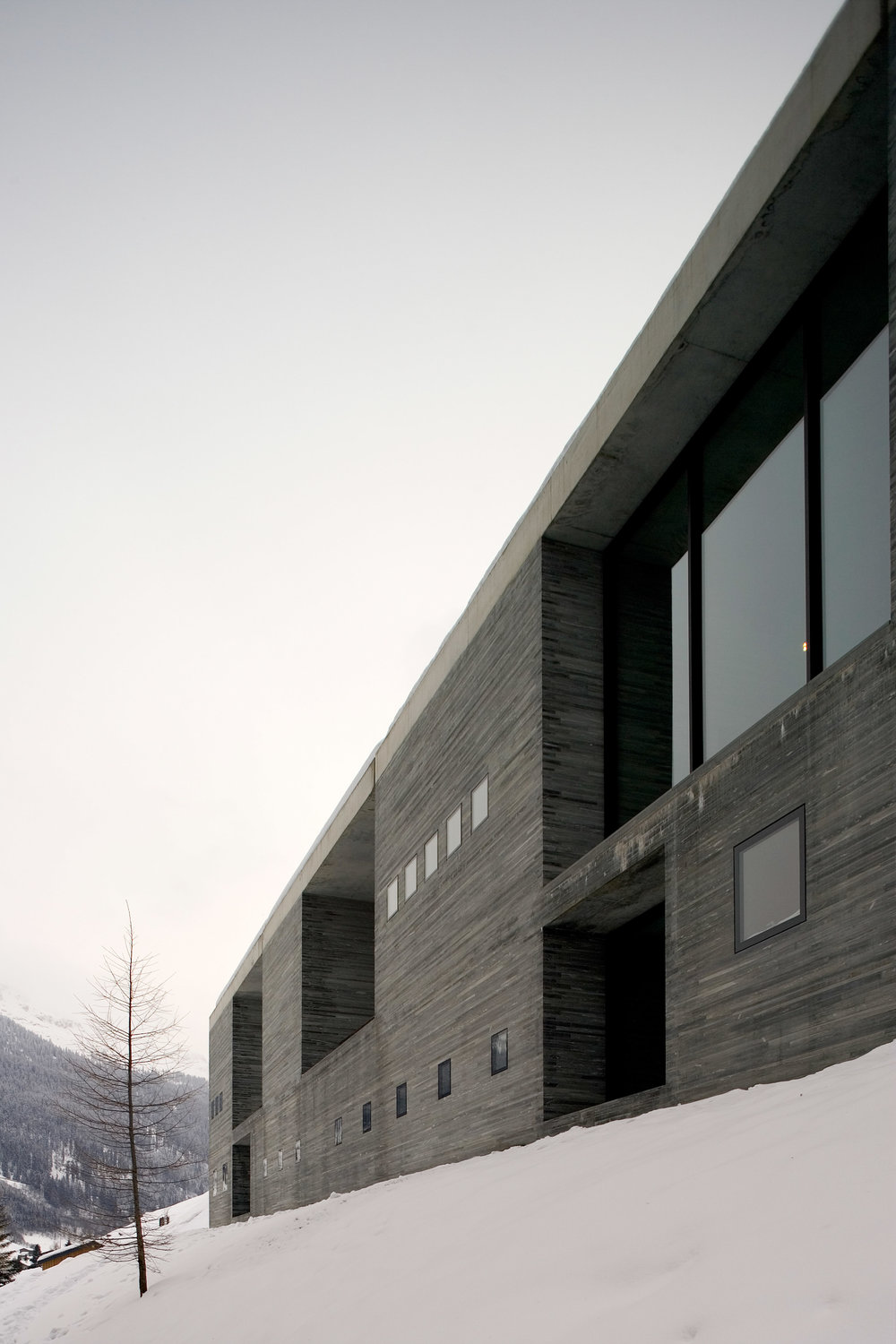 Peter Zumthor's Therme Vals photographed by Fernando Guerra