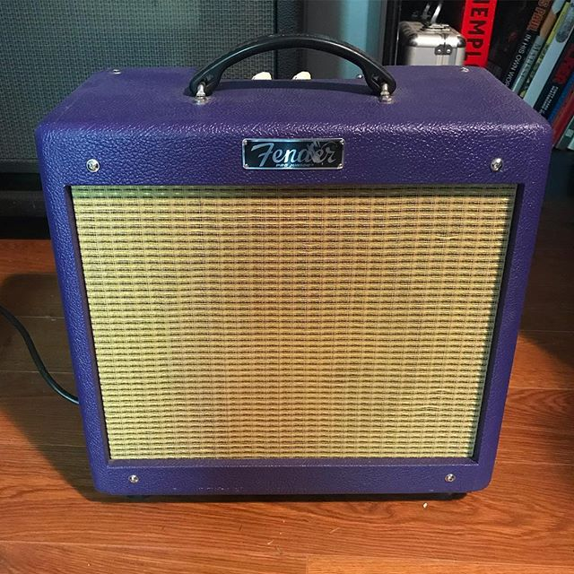 I've decided to switch things up. This went on the Craigslist today. Let me know if you might be interested. #fenderamp #fenderprojunior #limitededition