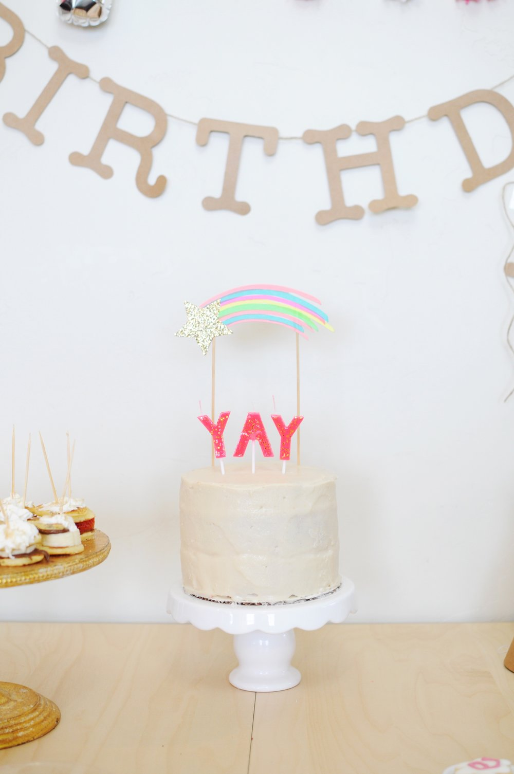 Only the fanciest thing ever, fun fetti cake and the simplest Vanilla Buttercream Frosting.
