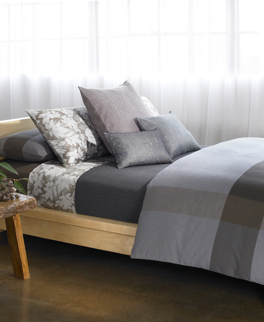 Ikea guest bed bedding sets bedroom 23 of the best - Daybed for small spaces set ...
