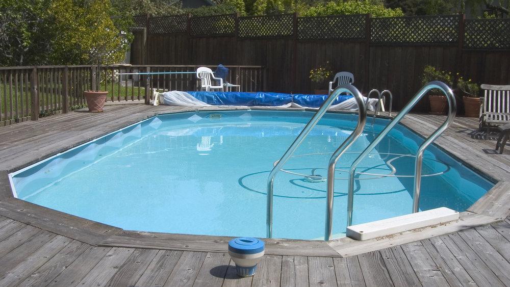 Semi Buried Pool