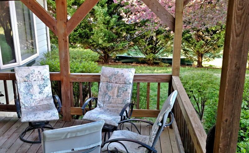 Southern porch life