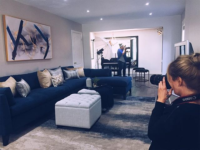 On set right now photographing some absolutely gorgeous interior design work by @interiors_by_loredana ! ❤️🙌🏼❤️