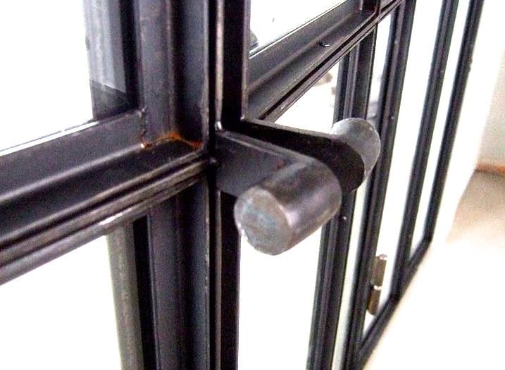 1f5b228f966f851b4109004196c440b9--windows-and-doors-steel-windows.jpg