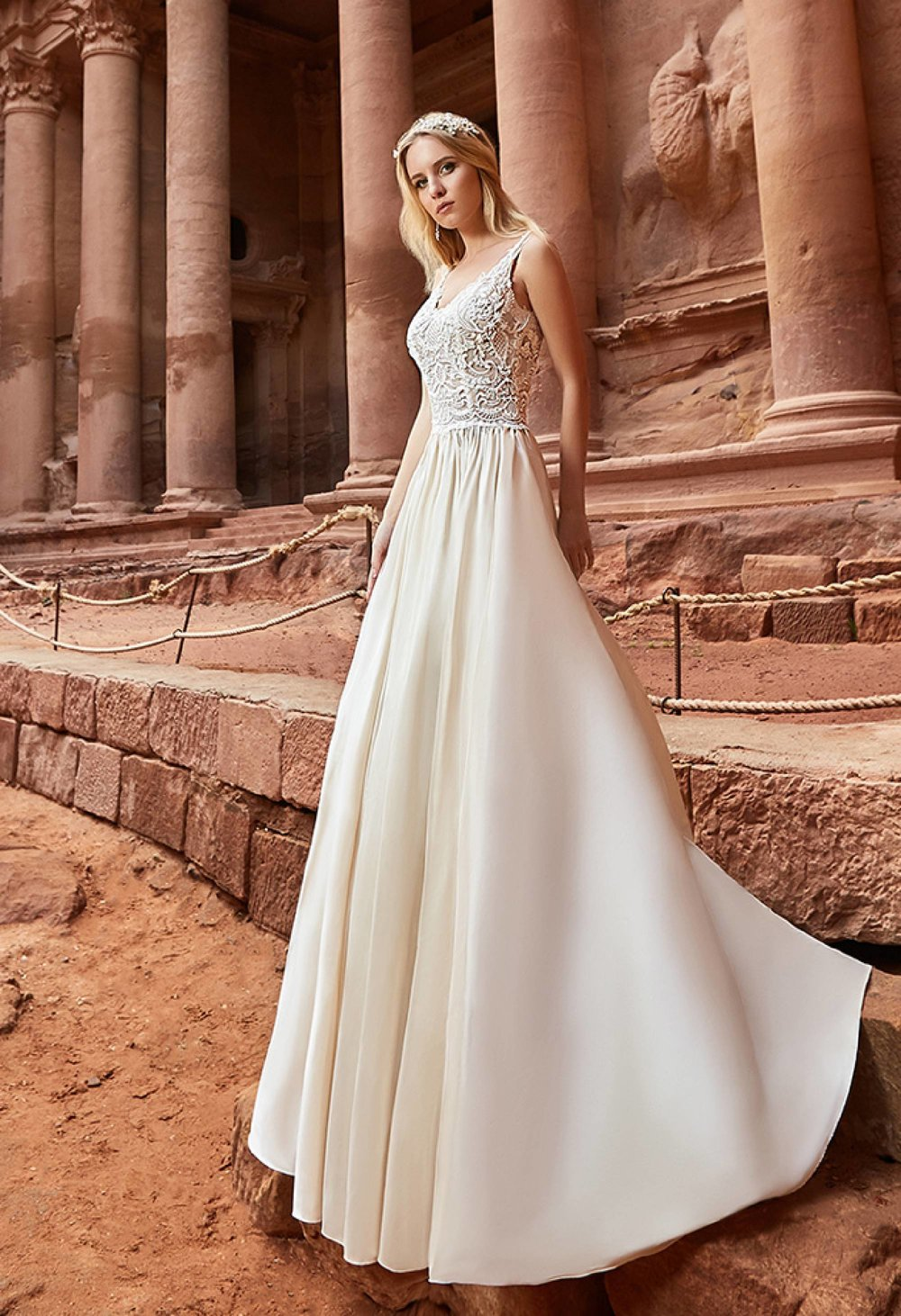 2433b0d5a4a JORDANIA Wedding Dress By OKSANA MUKHA
