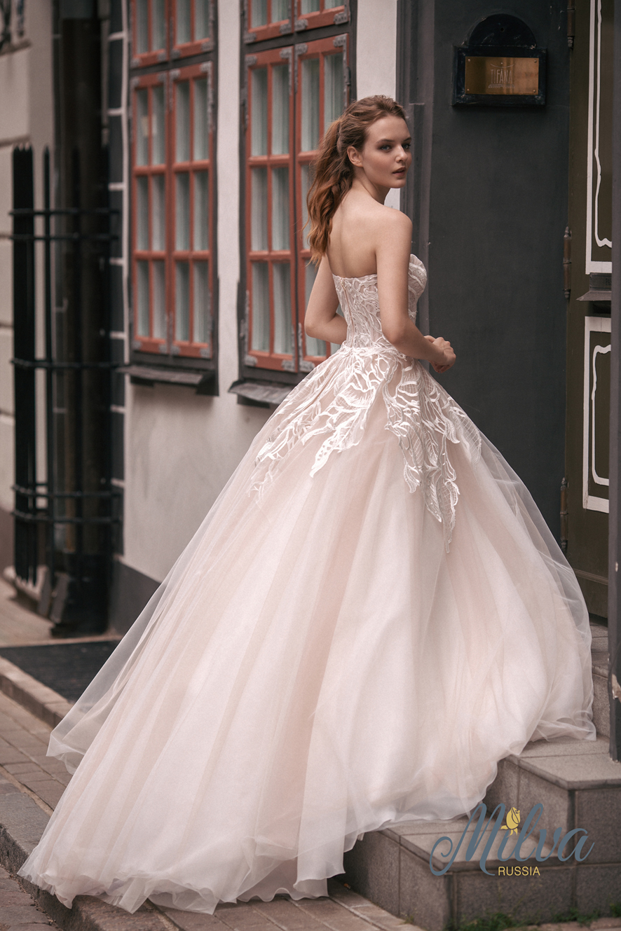 KHITANA wedding dress by MILVA (BORY and SKIRT)