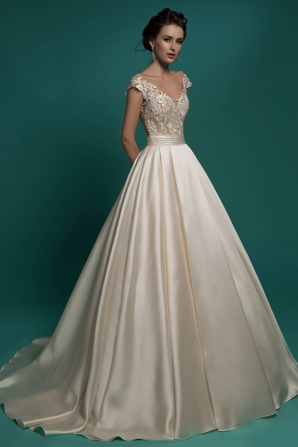 AMBER wedding dress $600