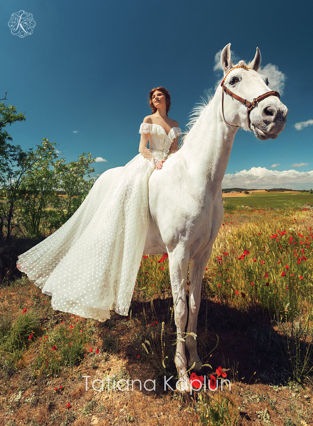 ROZMARY wedding dress by Tatiana Kaplun