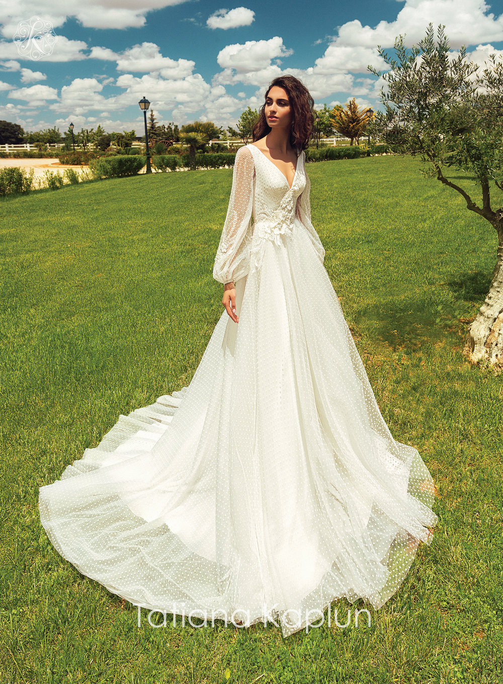 BLANCA wedding dress by Tatiana Kaplun