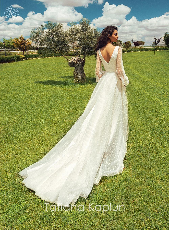 BLANCA wedding dress by Tatiana Kaplun