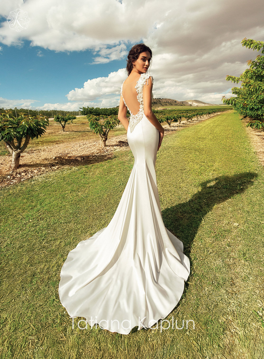 ALASIA wedding dress by Tatiana Kaplun