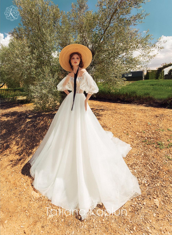 FELISTA wedding dress by Tatiana Kaplun