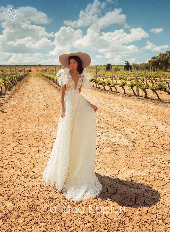 ASSOL wedding dress by Tatiana Kaplun