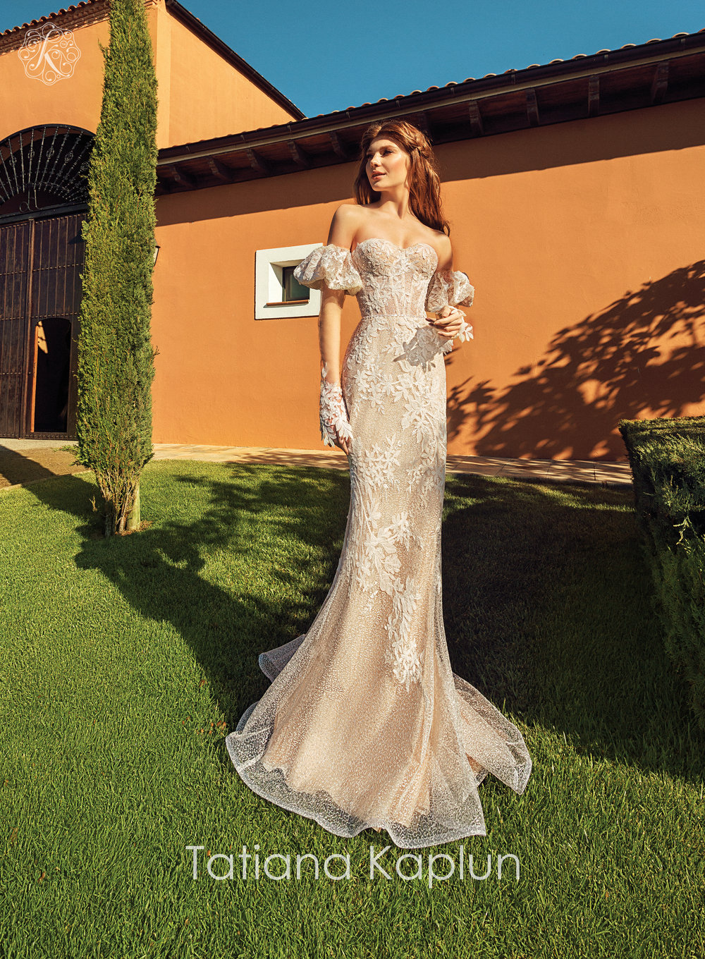 VIANA wedding dress by Tatiana Mukha