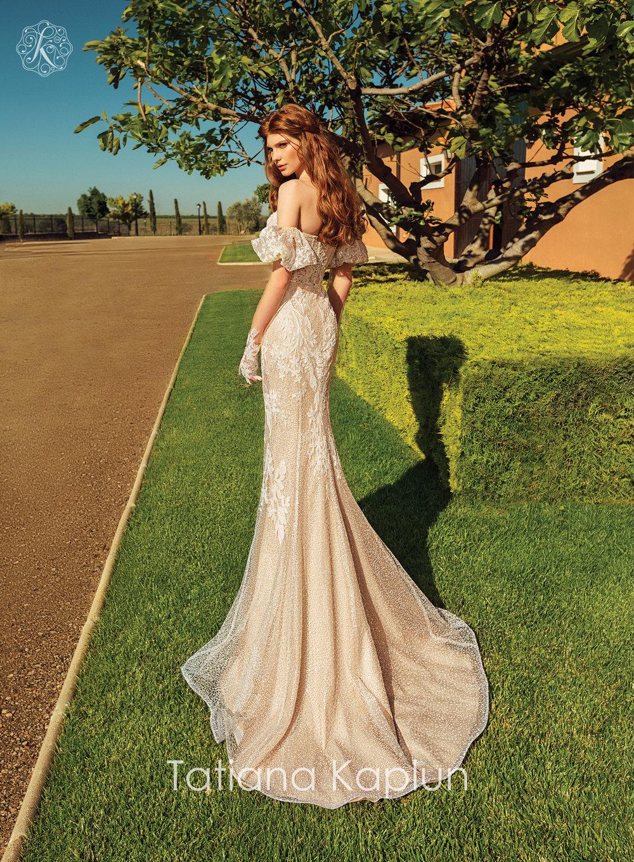 VIANA wedding dress by Tatiana Kaplun