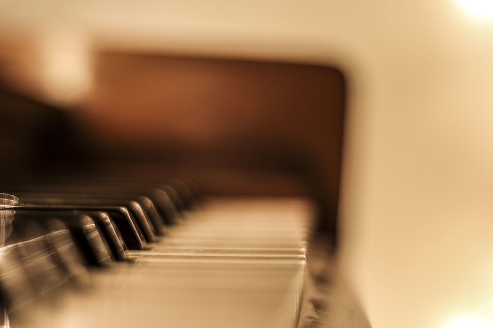 piano with lights 3.jpg