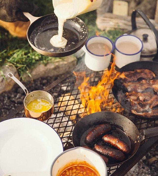 Breakfast is ready🍳🥓☕️ #jarinko_world #breakfast  #camp #camper #mornig #desertcamping #desert #roadtrip #trip #cooking