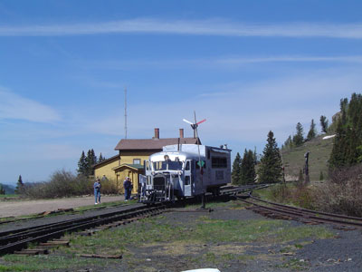 cumbres_pass_summit_05.jpg