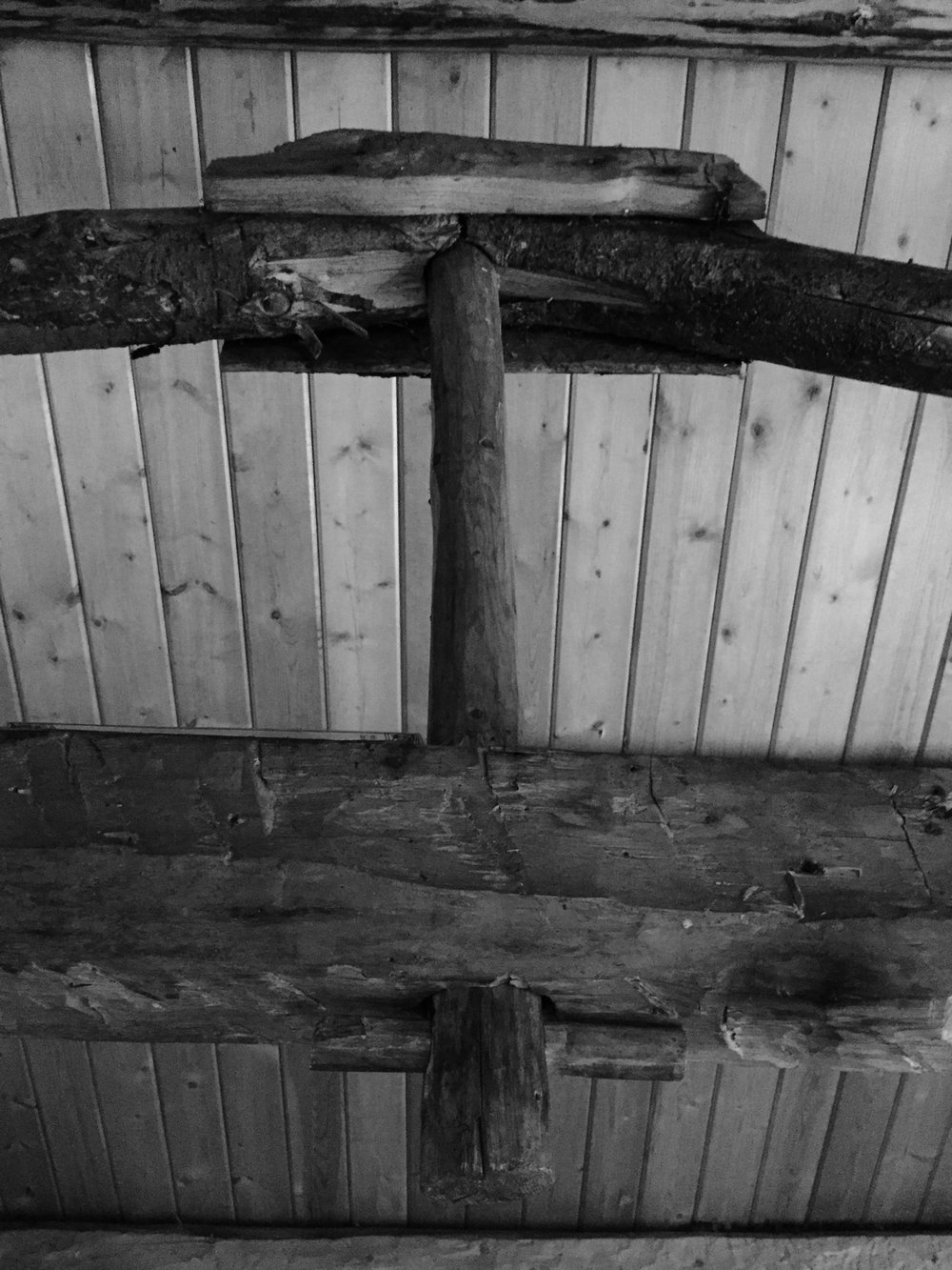 Tie beam and trunnel in the Big Indian Creek cabin