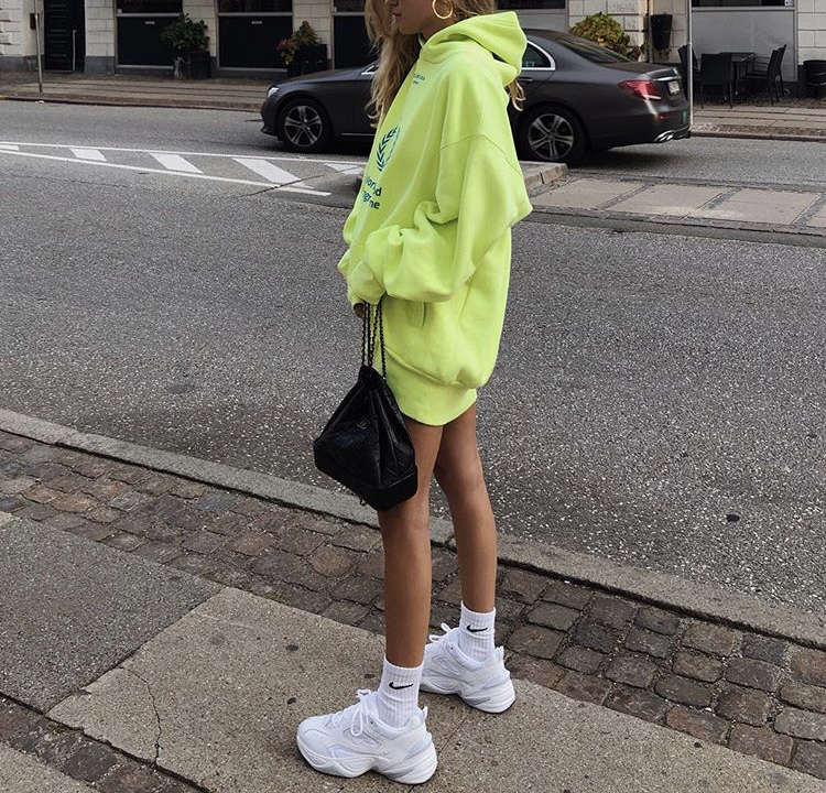 Over-sized hoodies. - Stay warm and comfortable while being in street style trend. Dress up your outfit with gold earrings, a nice purse and sick boots or sneakers. My favorite hoodies are from the brand Shadow Hill.