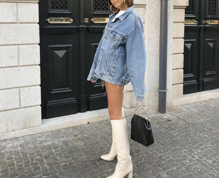 Demin Jacket - Denim jackets are perfect for layering up. Throw a hoodie underneath and leather pants and you are good to go! My favorite denim jackets are vintage. You can probably thrift a super cute one as well.