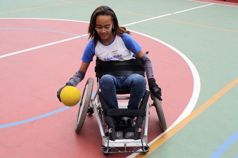 cadeira-de-rodas-rugby.jpg
