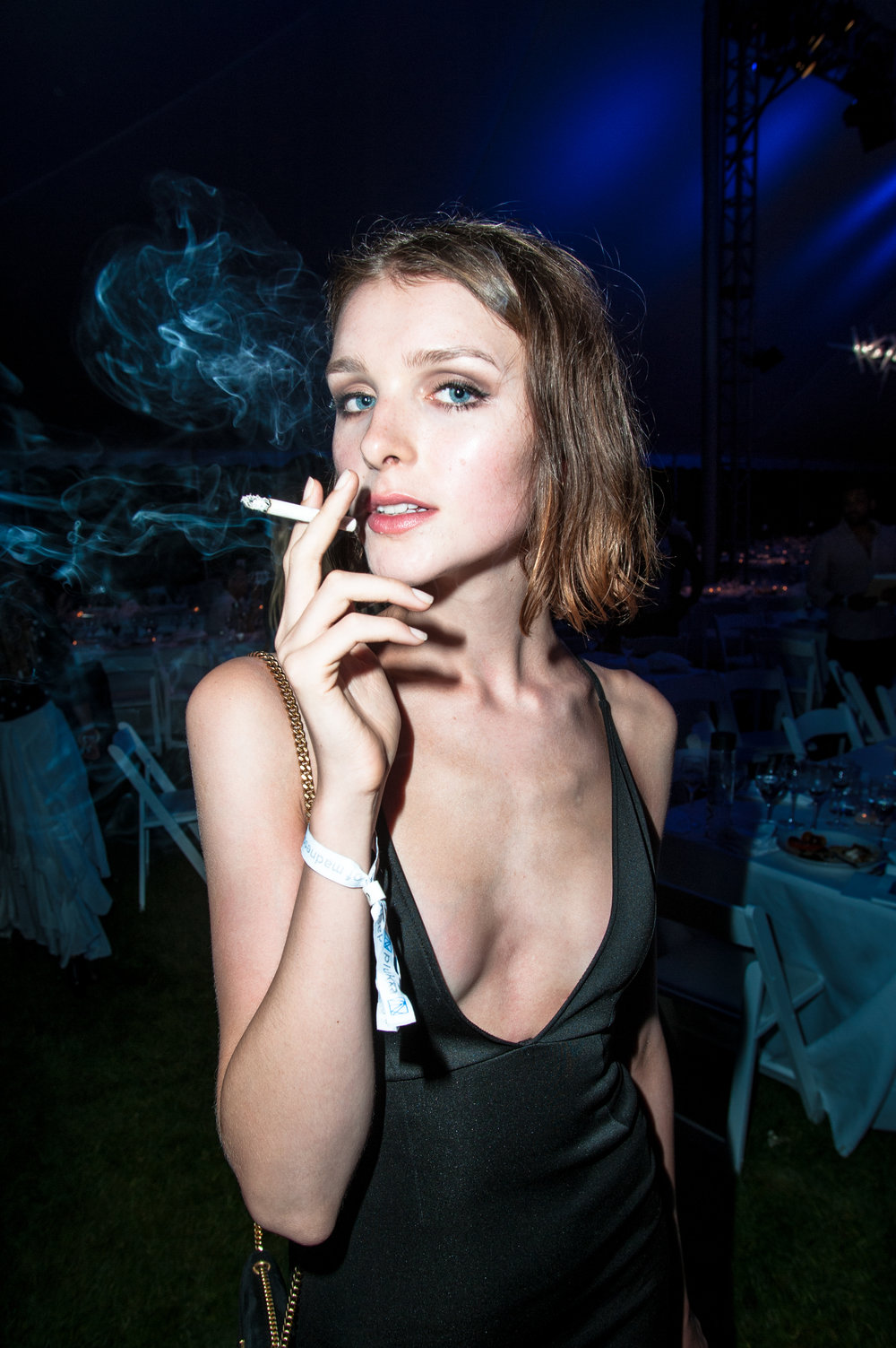 girl_smoking-1-of-1_29158324891_o.jpg